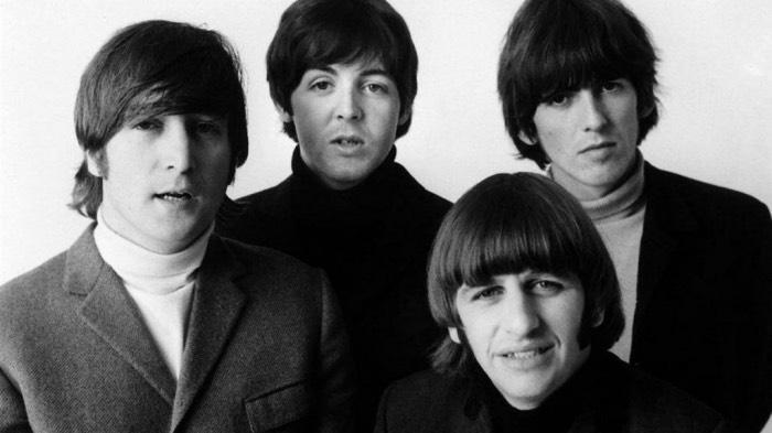 Beatles в свитерах битловках (фото)